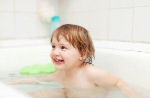 Tops Tips for Eczema Children: Bath-time Fun